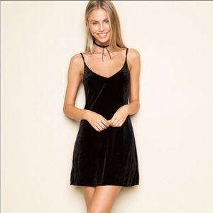 BRANDY MELVILLE Black Velvet Dress
